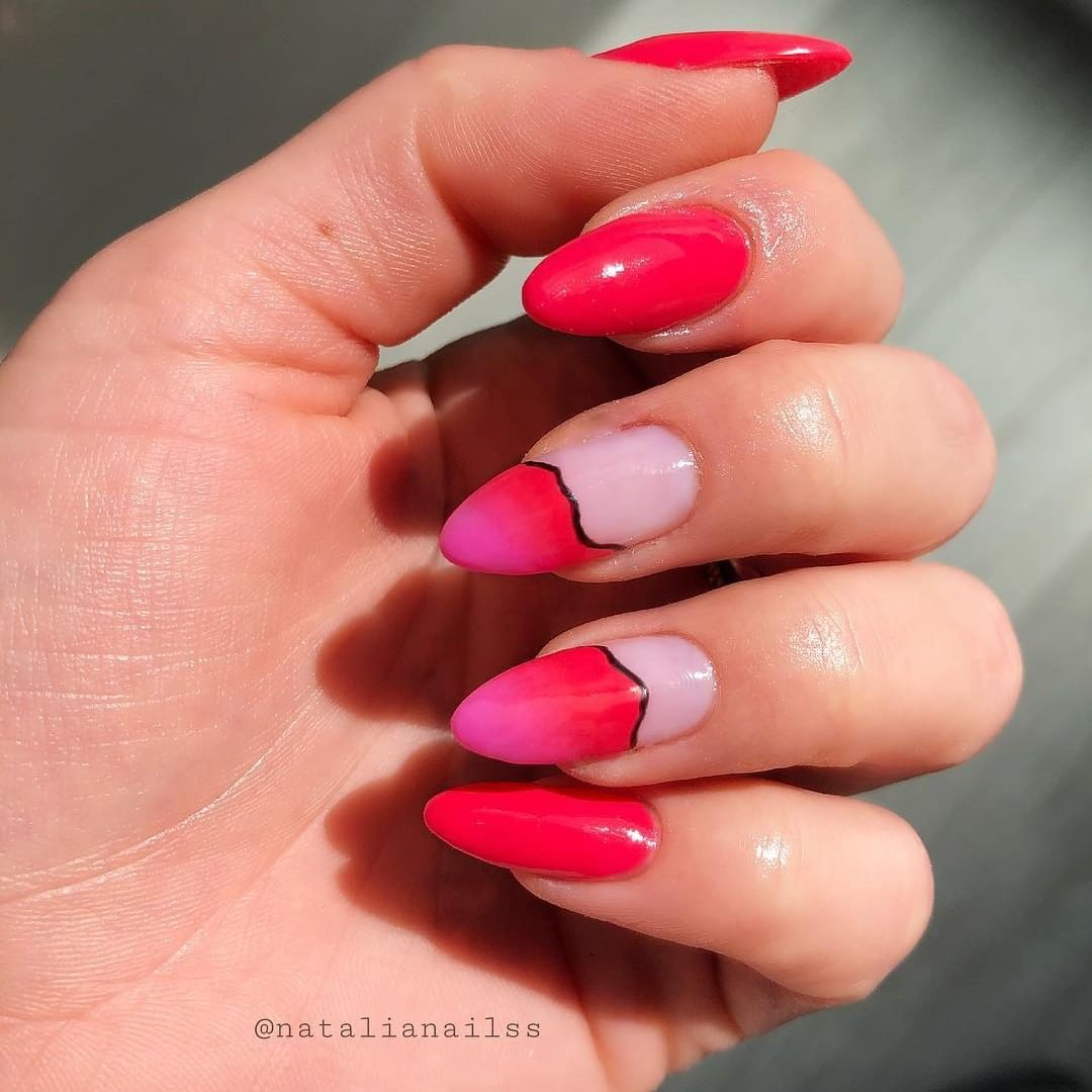 These are getting us in the mood for SUMMER! created this manicure with Wildfire and Hot Pop Pink.