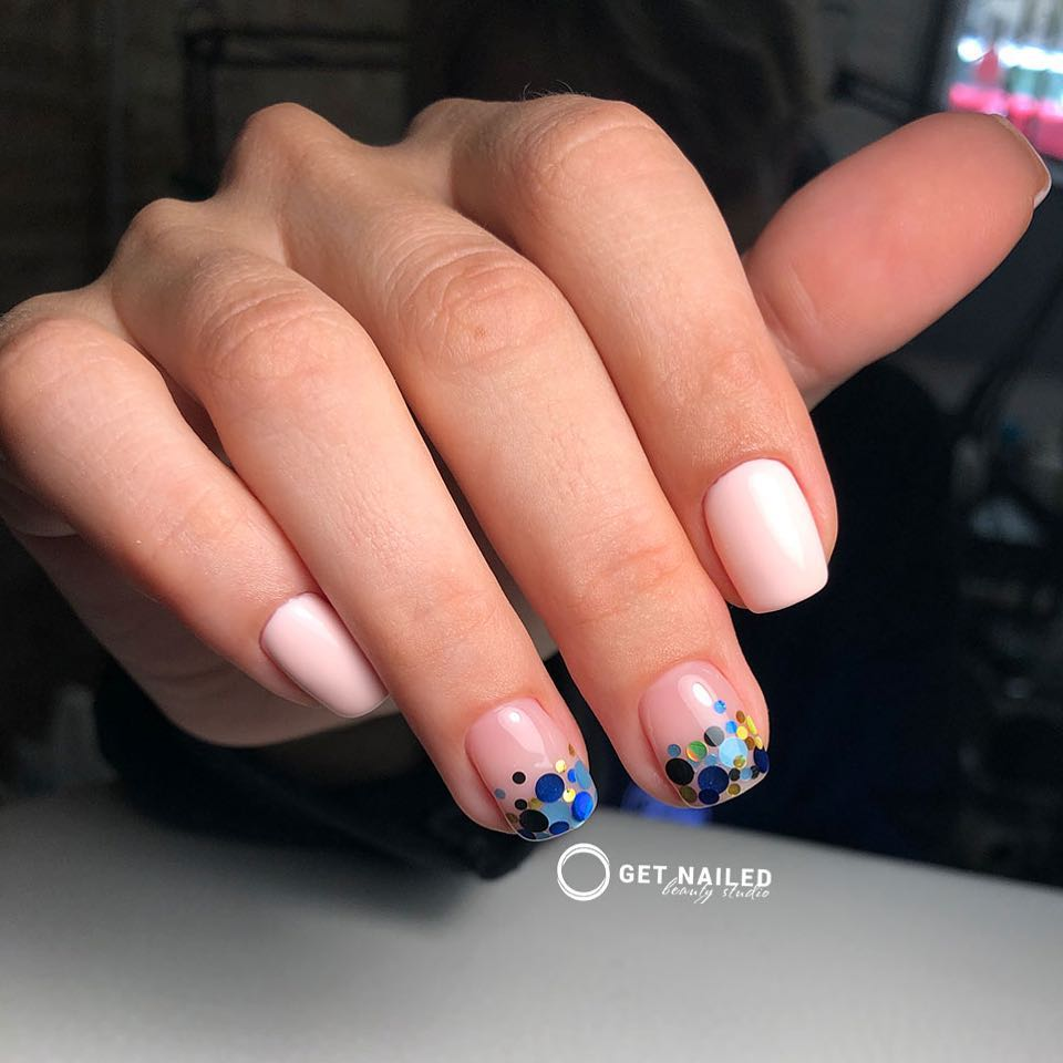 Blue dreams Nails done by Corina LinuYou can book your appointment on getnailed.co, through DM, WhatsApp +34 680 576 151 or simply by leaving a comment ..luxiogel