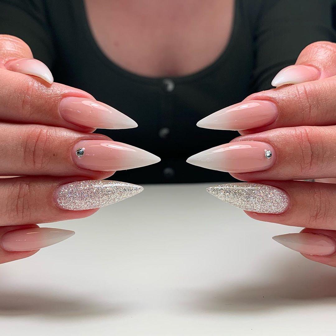 Faded french  glittergel Diamond   naglarbynattis