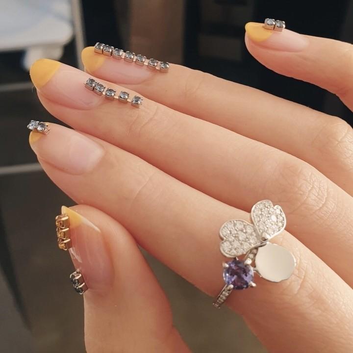 Unistella nails ..trend2019