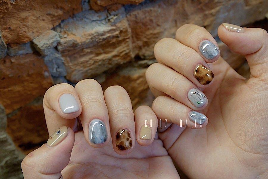 2 A.100B.100100Line:nails