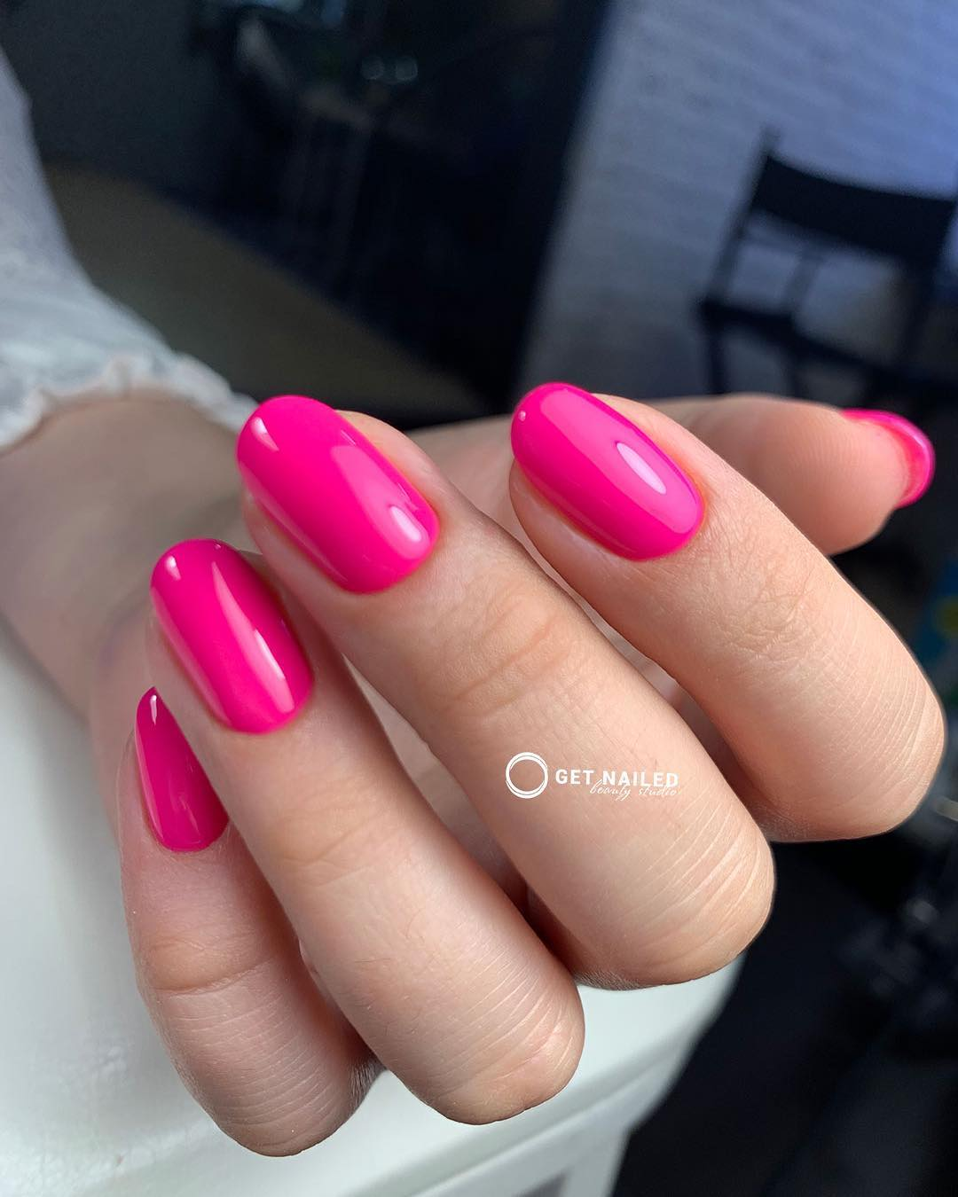 Fuchsia madness Nails done by KarinaYou can book your appointment on getnailed.co, through DM, WhatsApp +34 680 576 151 or simply by leaving a comment ..luxiogel