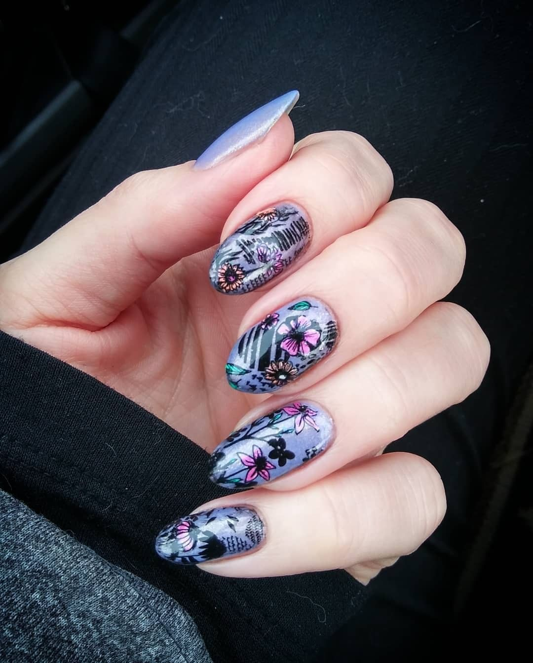 Just add creativity! We love seeing the nail art you guys create with seasonal plates year-round. is using November's Abstract Autumn plates for a beautiful spring mani. : Mani x style