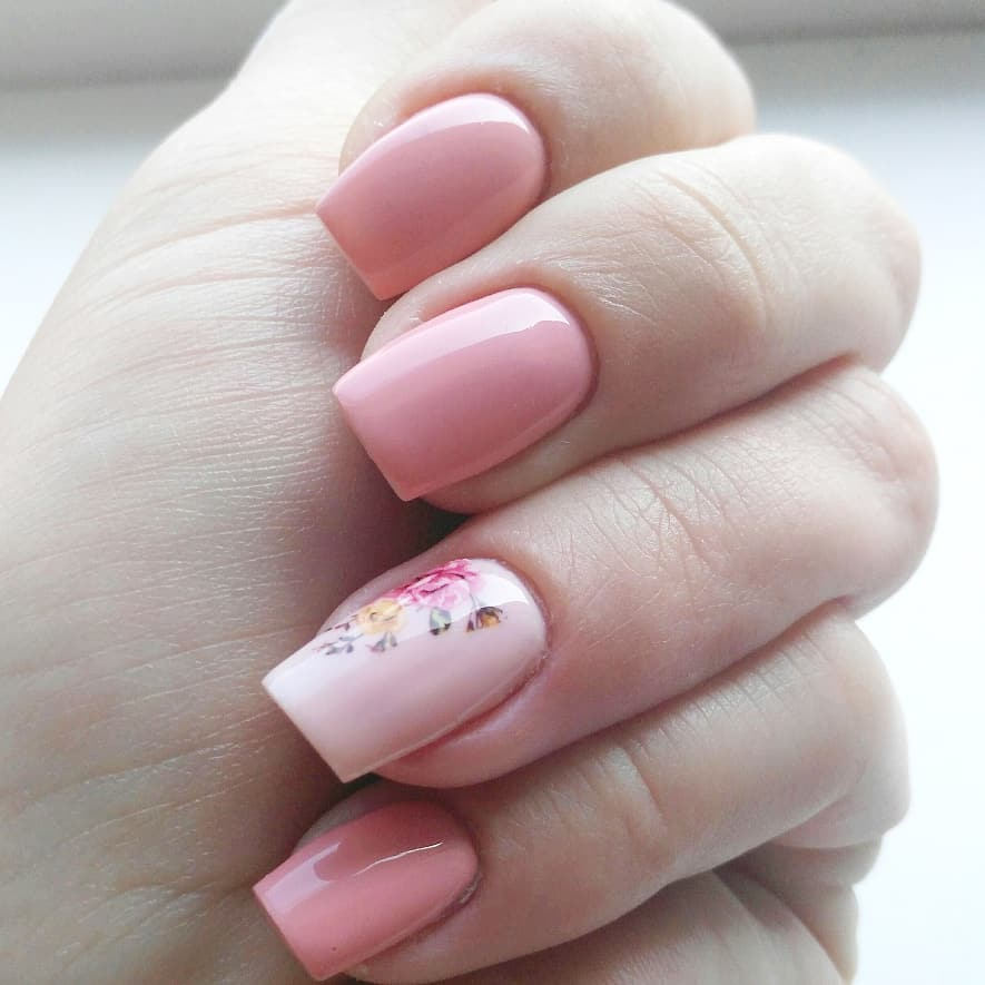 Who doesn't love this baby pink? Pure color enriched with beautiful little decoration!color 31 VIA Svetlana freshcolors