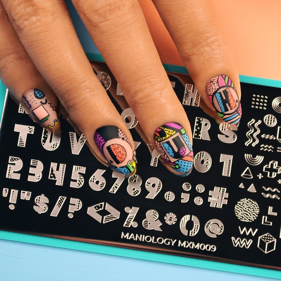 Say what you wanna say! Mani x Me's typography plate has even more ways to express yourself!
