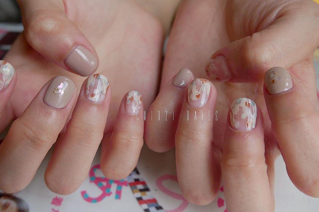 A.100B.100100Line:nails