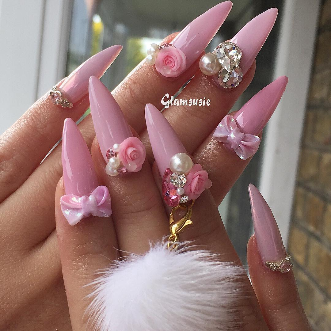 Love pink? Want to create this look? All the charms I used are available to purchase from my etsy webshop (link is in my bio)  instanails