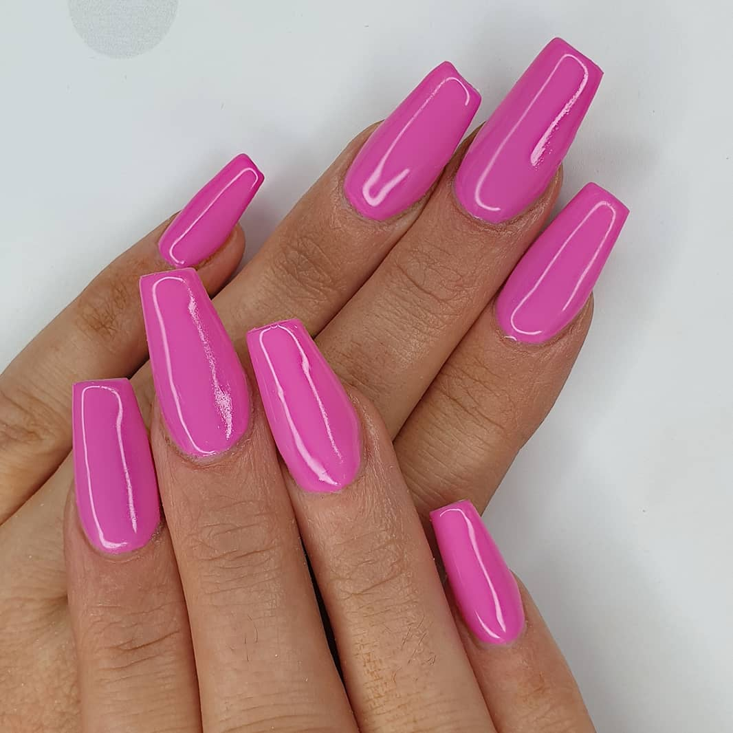 On Wednesdays, we wear pink Using crystal glass and gel polish Finished with melonmania cuticle oil shabaawards