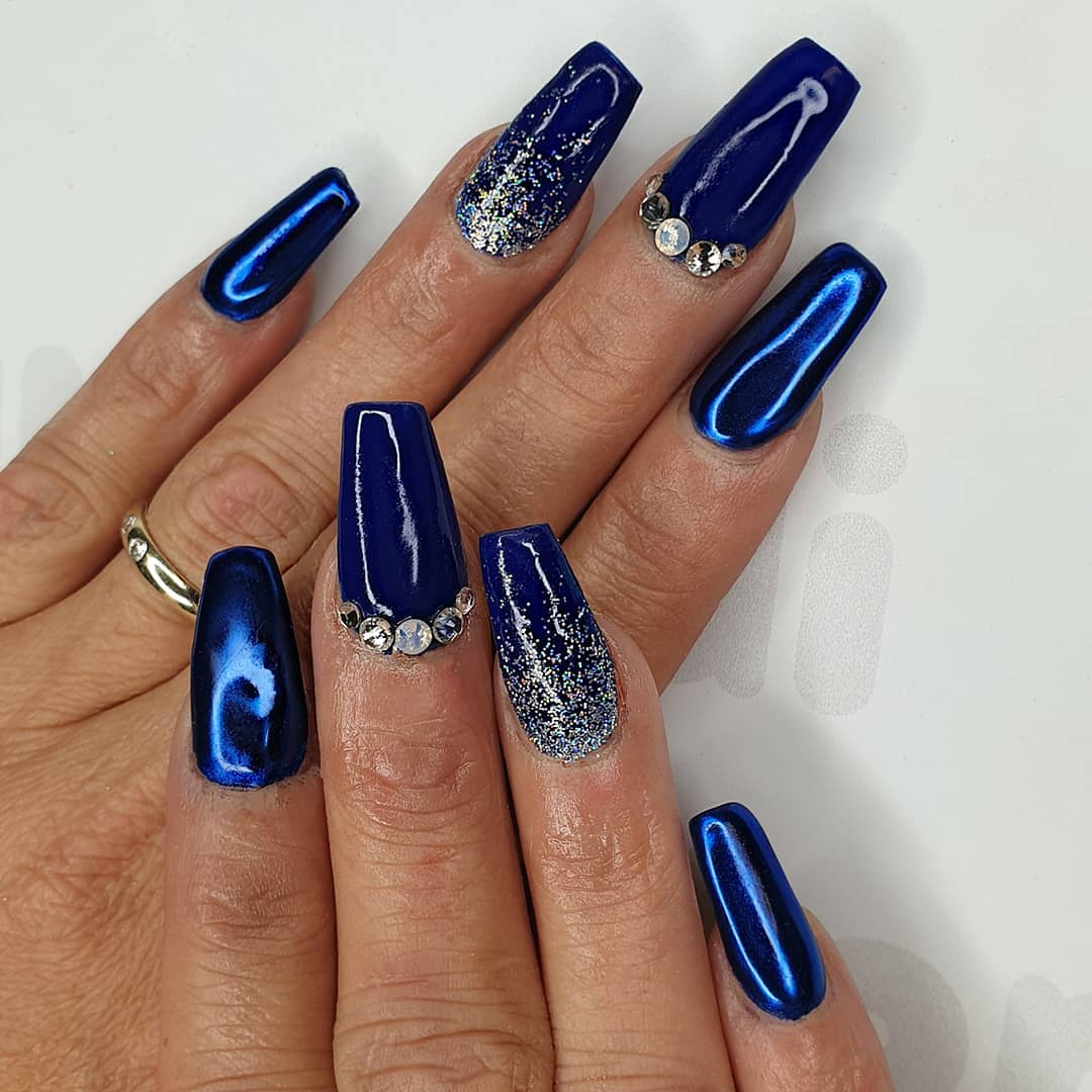 Royal Shine Using crystal glass, gel polish, lola, McLaren pigment  Crystal's from Finished with melonmania cuticle oil shabaawards