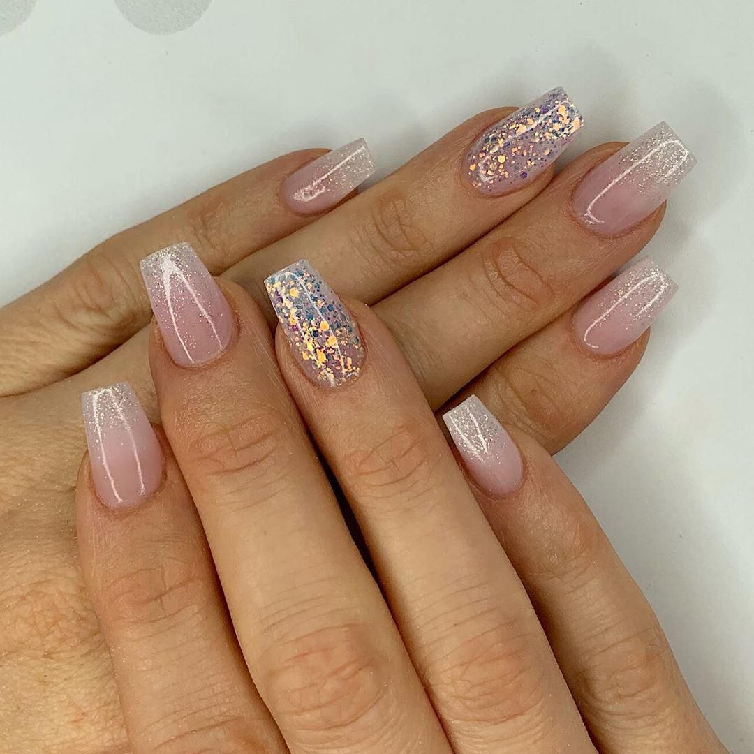 Twinkle twinkle Using amor, milky pink, I do and crystal glass and flossy. Finished with Melonmania cuticle oil shabaawards