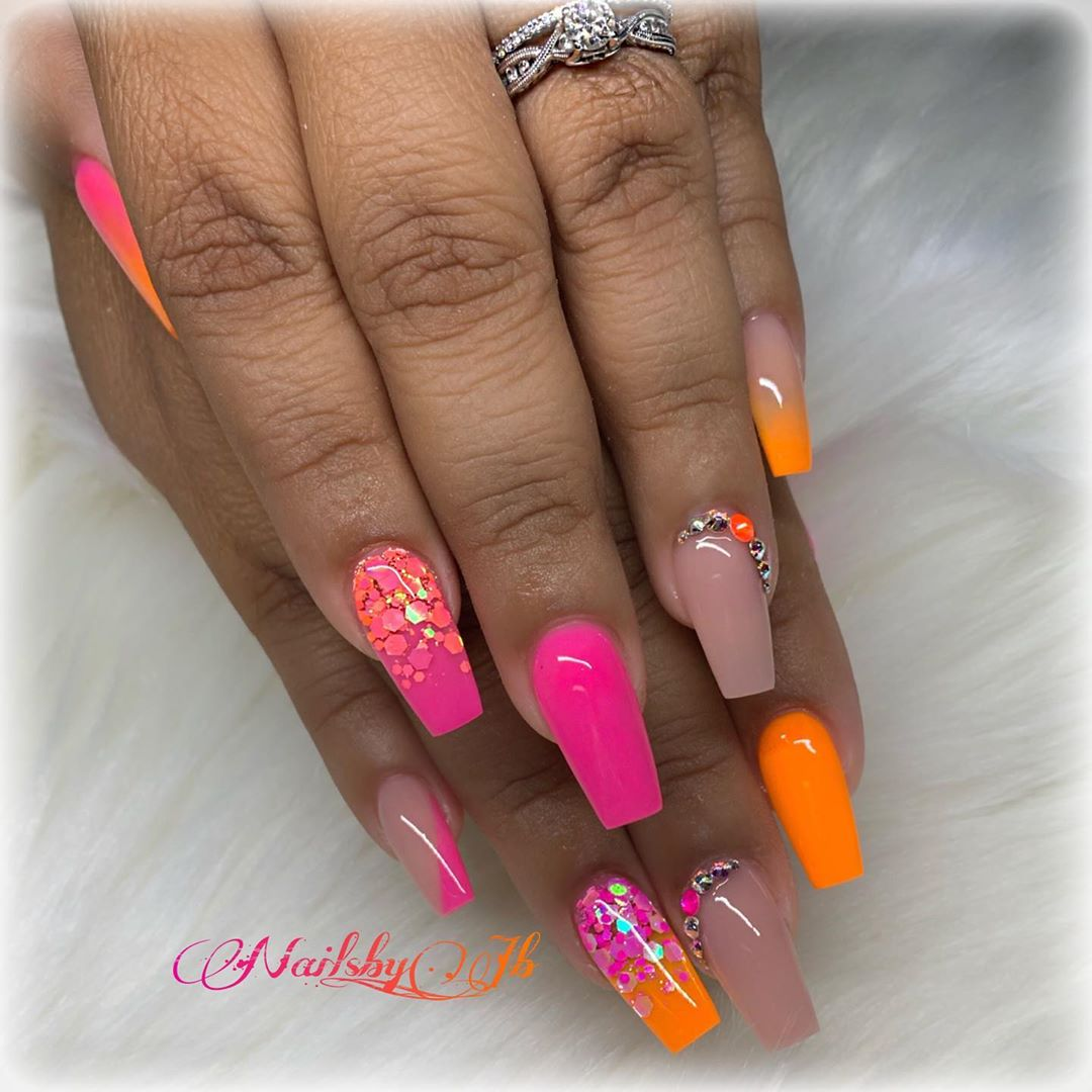 Visit our website and you will find variety in excellent productsFull pigmentation in acrylicsUse my code JESSY10  ombrenails