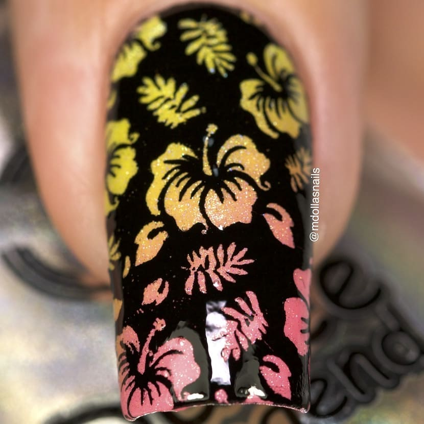Rainbow hibiscus with 841, 340, 331, 852, and Holo top stamped with B026 plate.whatsupnailsb029