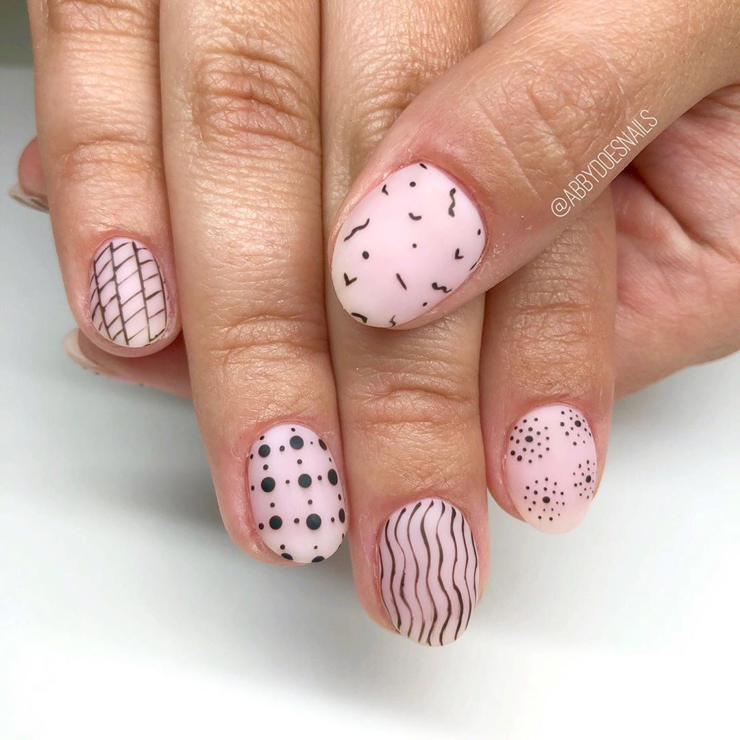 How freaking cool are these inspired patterned nails?! The ring fingers are my fave  utahcountynails