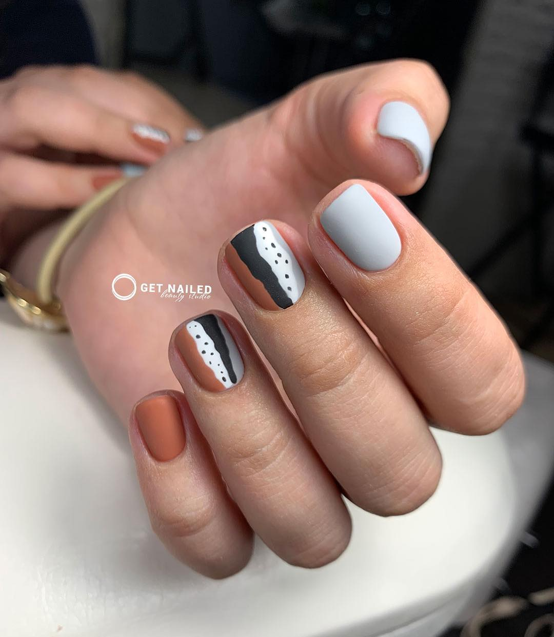 Matte nail art Nails done by KarinaYou can book your appointment on getnailed.co, through DM, WhatsApp +34 680 576 151 or simply by leaving a comment ..luxiogel