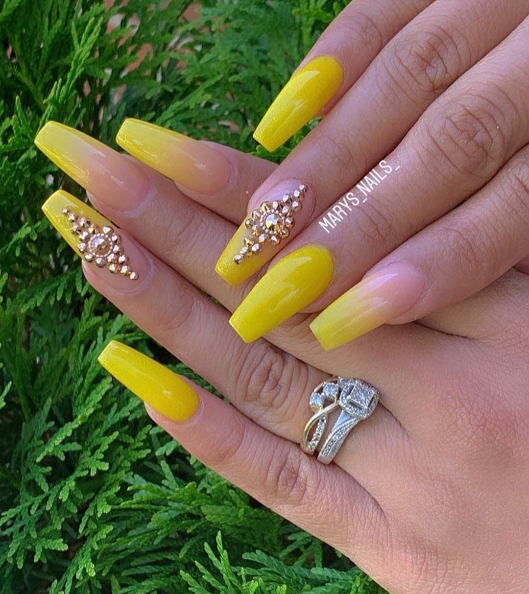 Sunny Days.. Are you a night owl or an early bird?: @marys_nails_