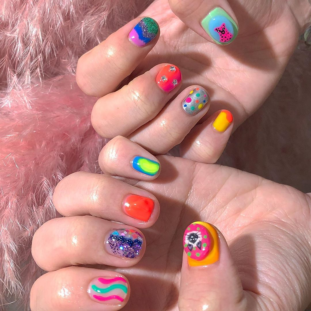 Mani Wndesday...Welcome All The Nail Art LoverReservations please call: 096-669-2996 or Line: benbenz.bbNailart  Manicure  Pedicure  Spa services glitternails