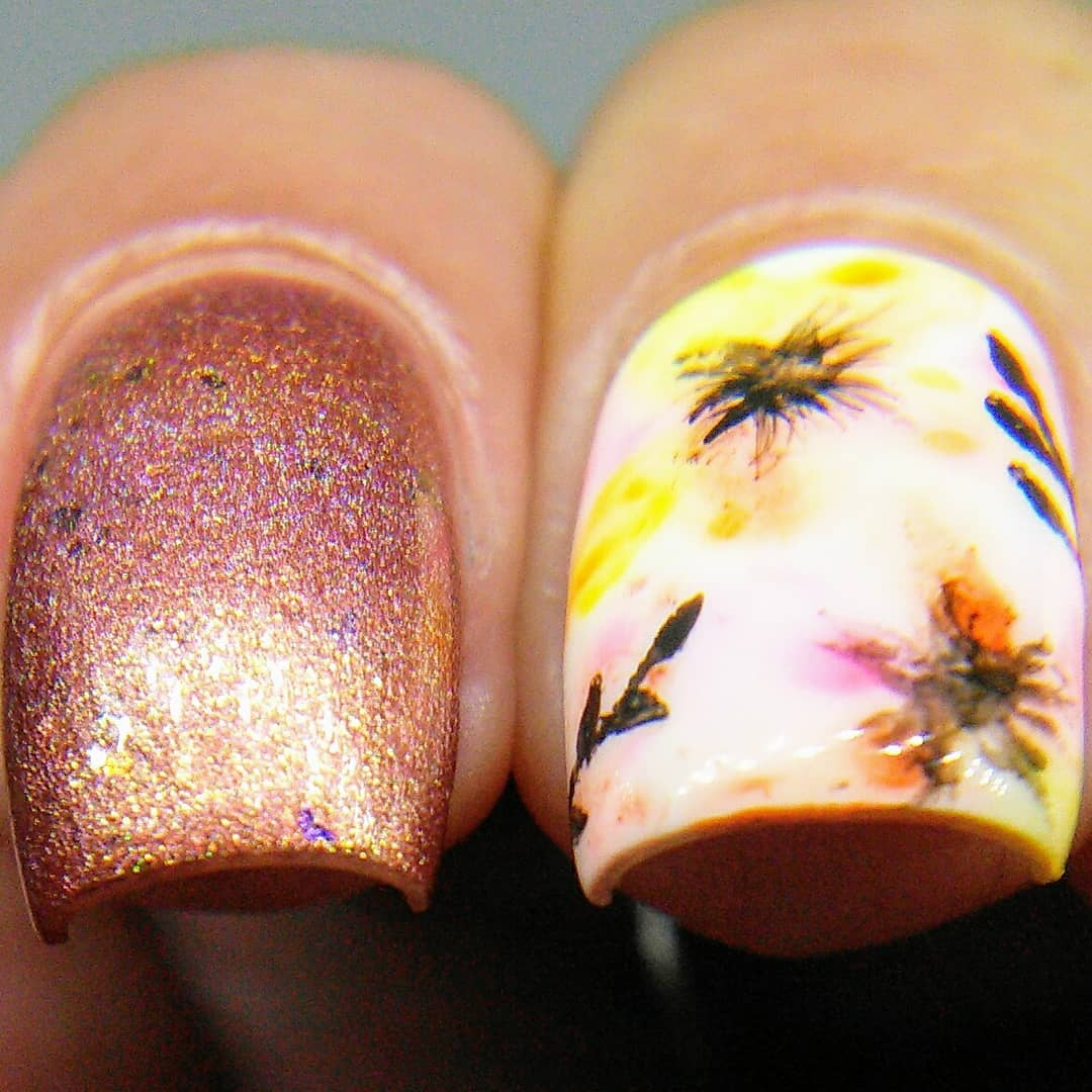 Happy birthday Angela! Hope you enjoy your floral manis that Iva got us together to do. Wishing you a wonderful day filled with loved ones and cake! Swipe for macros and collage. ***floralnails